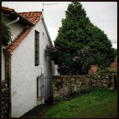 Ig_europe Ig_spain España Cantabria Comillas Arquitectura Loves_architecture Loves_spain Loves_cantabria Estaes_cantabria Испания Кантабрия Комильяс пейзаж Comillas, Cantabria.
