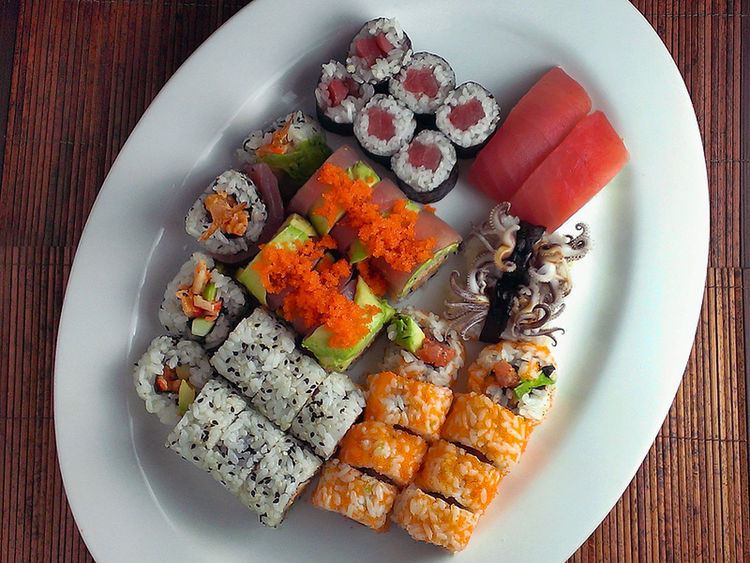 Sushi platter Japanese Food Sushi Squid Tentacles Tuna California Roll Food Porn Awards Foodporn Foodphoto Foodphotography Comfortfood