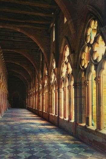 Arch Indoors  Architecture Corridor Gothic Architectural Column architectural column History Travel Destinations No People Built Structure Vacations Day City