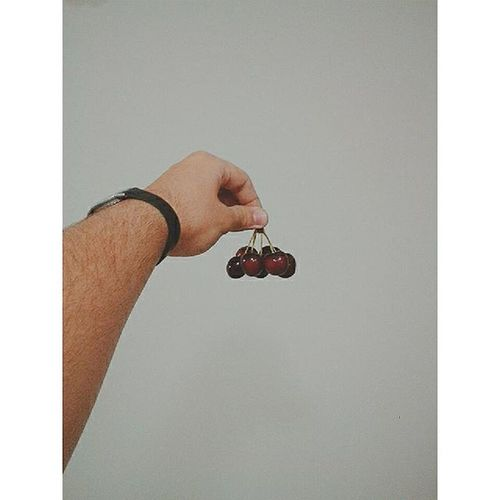 Cherries...!! Cerezas Instamoment Instapic Vscocam VSCO Fruittime Redandgrey Instafruit Night 12 /01/16