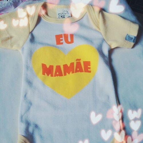"""Minha primeira roupinha mamãe 😍!! Hoje """"vi"""" meu bebê pela primeira vez!!! O graozinho de feijão mais lindo do mundo! 😍😍🙎🙎❤❤ Deus me concedeu a melhor coisa e mais linda do mundo! ObrigadaDeus Mamaeboba Mamaeepapaiamam Meutudo Bebelindo"""
