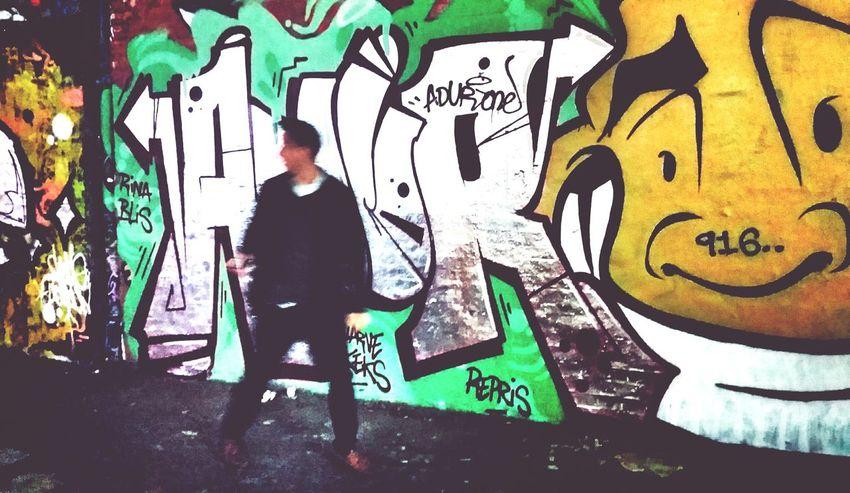 (916..) Andrographer Peoplewalkingpastwalls Exploring New Ground Street Art