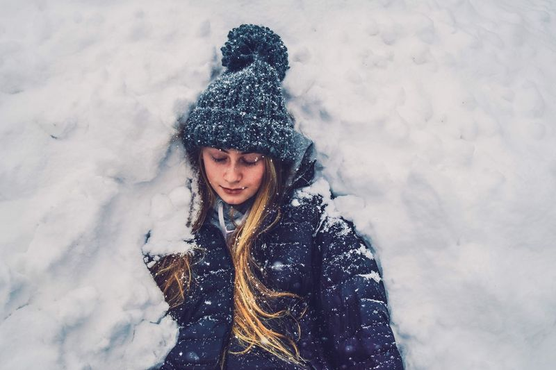 My Year My View Always Be Cozy Winter Winter Wonderland Portrait Teenagers  EyeEmBestPics Streetphotography Fresh On Eyeem  EyeEm Best Shots EyeEm Gallery Eye4photography  Snow Eyeem Market The Week Of Eyeem Nikonphotography EyeEm Best Edits Girls Cold Portraits Colors