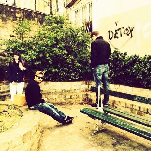 Paris Montmartre Enjoying Life Friends Fun Pzzzz