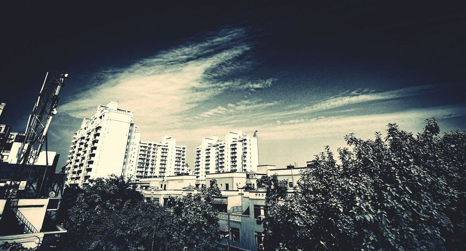 Gurgaondiaries Landscape Bnw_friday_eyeemchallenge Bnw_captures Bnw_worldwide Bnw_photography Wideangle Lens View From The Window... Dramatic Sky Sky And Clouds Tusharroyphotography Facebook Page