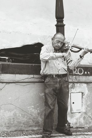 One Man Only Music One Person Real People People Arts Culture And Entertainment Musical Instrument Musician Playing Standing Violinist TakeoverMusic Violin Busking Music