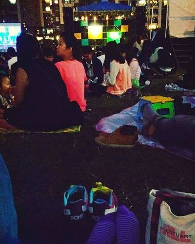 看著周圍野餐的人們,發著呆,放個空。My Heart Need Rest Taichung Jazz Festival Picnic Close My Eyes