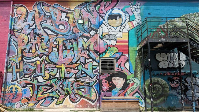 Graffiti Park in East Downtown Houston, TX Graffiti Park Graffiti Graffiti Art Street Art Urban Art Art East Downtown Downtown Downtown Houston Houston Htown Htx Texas Travel Travel Photography Travel Blogger Good Times Followme Pixelxl2 Street Art Graffiti ArtWork