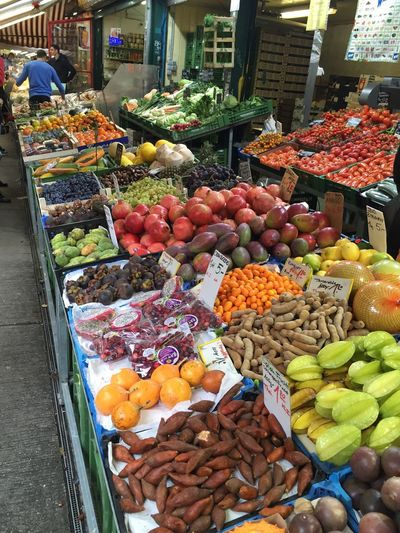 Freshness Variation Fruit Choice Food And Drink Vegetable Market Stall Market Healthy Eating Food Retail  For Sale Price Tag Outdoors No People Day Healthy Food Price Tag Haggling Farmers Market Choice Freshness Abundance Vegetables Vienna