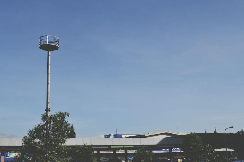Sole Pole Pole Lonely Sky Blue Sky Blue