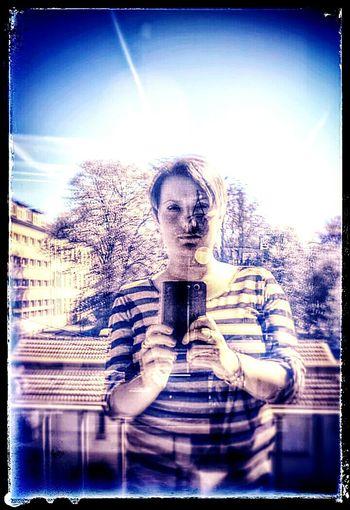 Hi! Shadow That's Me Woman Reflet Last Selfie ...