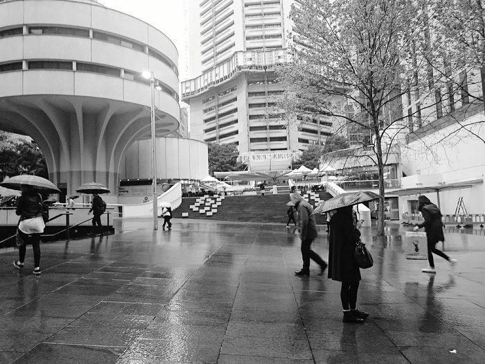 Urgh. That kinda day again. Rain Rain Go Away Rainy Days Streetphotography Osanpo Camera People Watching