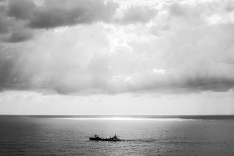 Water Nautical Vessel Sea Business Finance And Industry City Sky Horizon Over Water Cloud - Sky Storm Cloud Seascape Dramatic Sky Cloudscape Atmospheric Mood Scenics