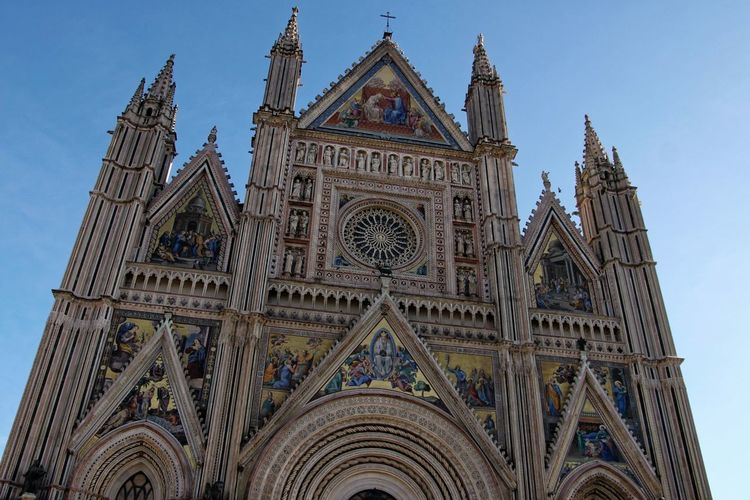 Orvieto, Italy Travel Travel Photography Traveling Architecture Building Exterior Built Structure Cloud - Sky Day Façade History Italian Italy Low Angle View No People Orvieto Outdoors Place Of Worship Religion Rose Window Sky Spirituality Travel Destinations