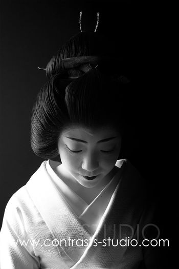 Geisha Gion Japan Japan Photography Japanese  Japanese Culture Japanese Style Koyto Kyoto, Japan Travel Photography Black Background Close-up Fashion Geisha District Geishagirl Gion Kyoto Indoors  Kyoto,japan One Person People Portrait Studio Shot Traditional