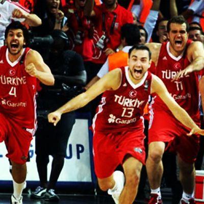 Yerde sensin gökte sen çünkü sen birtanesinnn Turk A Milli Basketbol Takımı YokBoyleBirHeyecan