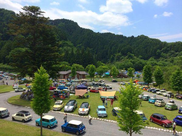 先程の写真(ミニチュア加工)の元素材です。わざわざミニをミニチュア加工しなくてもいいんですけどね😅💦 Mini Mini Cooper Mini Cooper S Bmw Mini Classic Mini Blue Sky Green Meeting Kanagawa