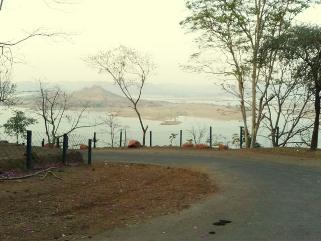 @Silvassa, Gujarat, India. Roadandscenery