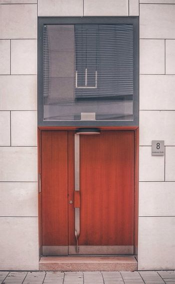 COME IN AND FIND OUT🚪🗝 Built Structure Red Building Exterior Architecture Door No People Outdoors Day Street Photography GERMANY🇩🇪DEUTSCHERLAND@ Lines And Shapes Minimalobsession Stuttgart Europe Minimal Modern