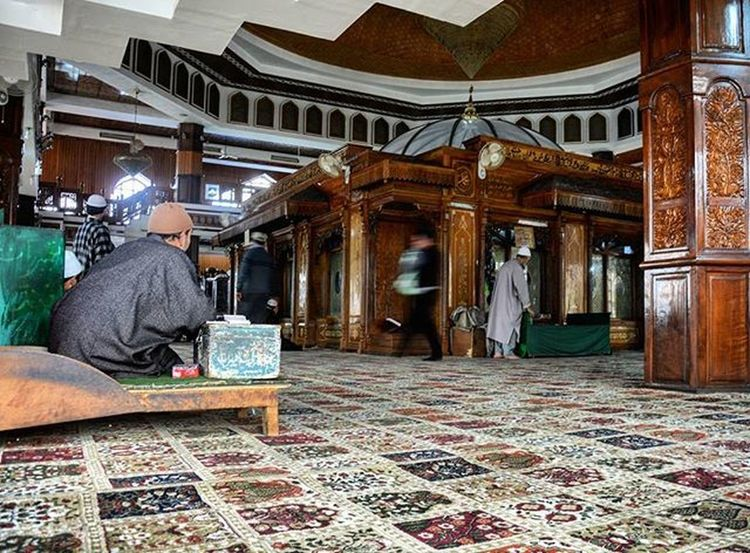 Inside Charar-i-Sharief, The Shrine Of Sheikh Noor-ud-Din Noorani (RA) popularly known as Alamdar-e-Kashmir in Charar-i-Sharief, Budgam Kashmir . Charar-i-Sharief is probably one of the most ancient Shrines in the valley of Kashmir. DawnWeeklyProject Dawndotcom Etribune Wanderlust IExploreKashmir India_gram Travelbeautifulpakistan Reportagespotlight Mypixeldiary Islamic_republic_of_pakistan One_shot_ Lonelyplanetindia Kashmirpp Shutterpak Washpost Indiaphotoproject Indiapictures _soi Vscocam Indiaphotos Worldnomads Storiesofindia Everydayindia Indiaclicks IAMNikon kashscape Revoshots Revoshotsphotography NGMA