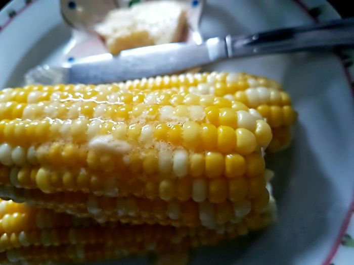 Serving it hot... Peaches And Cream Corn On The Cob with Melted Butter Butter The Essence Of Summer Corn Vegetable Mealtime Nomnomnom Miam Miam  In My Mouf Yellow Appreciate The Little Things In Life Home Is Where The Art Is Visual Feast Paint The Town Yellow Crafted Beauty Food Stories