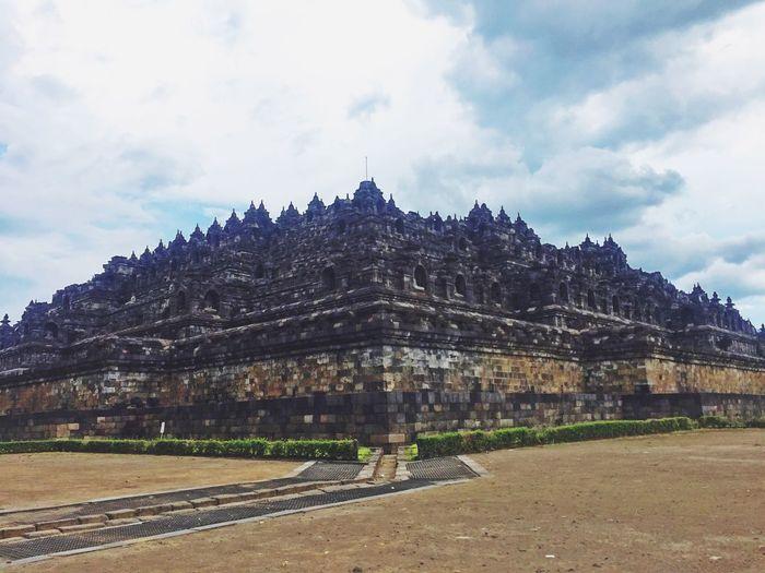 Traveling Yogjakarta Borobudur Temple History Awesome Historical Buildings History Architecture