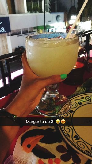 🇲🇽🔥 Margaritas Drink Lifestyles Alcoholic Drink Mexico Playadelcarmen Mexican Food Good Times Vacaciones Latina Pura Vida Snapchat Alcohol Cocktail