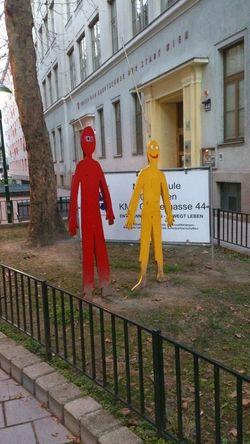 Schule März 2014 Yellow Red