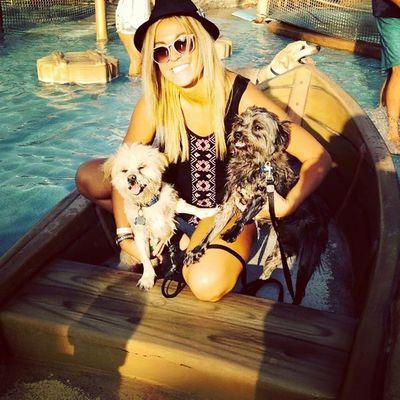 Doggie Waterpark Day!! Pomerainan Wildwood Sohappy Cantstopsmiling mystory114 lovemylife lifeisbetterinCOLOR lifeonlifesterms someone instadog animals lovehim woof womensbff londonharvey LaPom pomeranian myboy dogsareawesome dogs teddybear hugs snugglebug