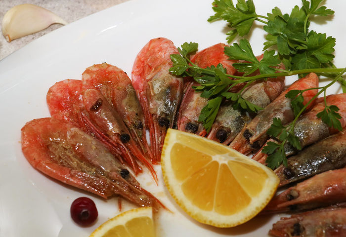 Close-up Cooking Cuisine Food Food And Drink Freshness Frying Healthy Eating Indoors  Lemon No People Plate Ready-to-eat Seafood Shrimps