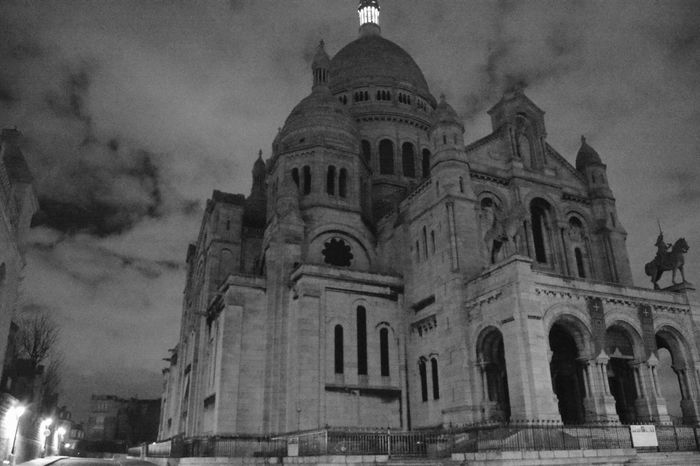 Sacré Coeur, Paris Low Angle View Travel Destinations Architecture Sky History Night Photography Pure Beauty Simplicity Paris By Night