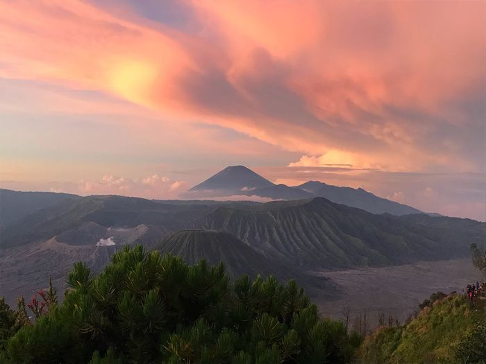 Bromo mountain #Indonesia Beauty In Nature Sky Scenics - Nature Environment Mountain Cloud - Sky Tree Land Landscape Nature Plant Travel Sun Sunset Tranquility Outdoors Non-urban Scene Travel Destinations Mountain Peak First Eyeem Photo