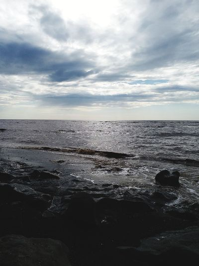 feel EyeEmNewHere Water Sea Beach Sky Cloud - Sky Horizon Over Water Low Tide Calm Seascape Ocean Rocky Coastline Wave Coastal Feature Seagull Pebble Beach