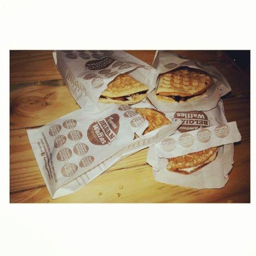 The famous belgian waffles! So yummy naka two rounds ko mehehe Chocolateandbanana Hamandcreamcheese Belgian  Waffles newfavorite @icanoza @cvramirezz