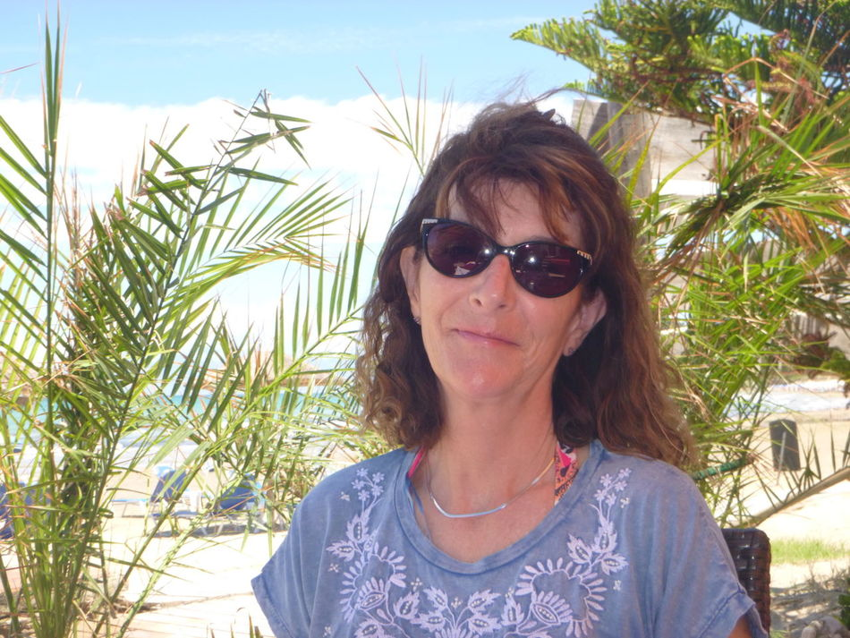 Casual Clothing Close-up Day Front View Headshot Leisure Activity Lifestyles Nature Outdoors Palm Trees Portrait Sky Sunglasses Sunlight This Is Me This Is Me! Tourist This Is Me In San Stephanos, Corfu, Greece Palm Trees!