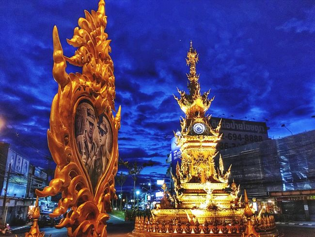 Statue Architecture Sculpture Gold Colored Illuminated Building Exterior Cloud - Sky Sky Built Structure Night Outdoors City Gold Cityscape No People Carousel