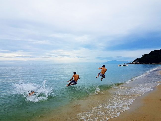 Seaview Beach Reflection Togetherness Sea Swimming Sky Water Wet Outdoors Summer Cloud - Sky Horizon Over Water Vacations Adults Only Nature Friendship People Underwater Day Wave