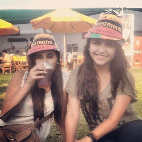 Con la negra en Bierfestsantiago Saludd Bierfest