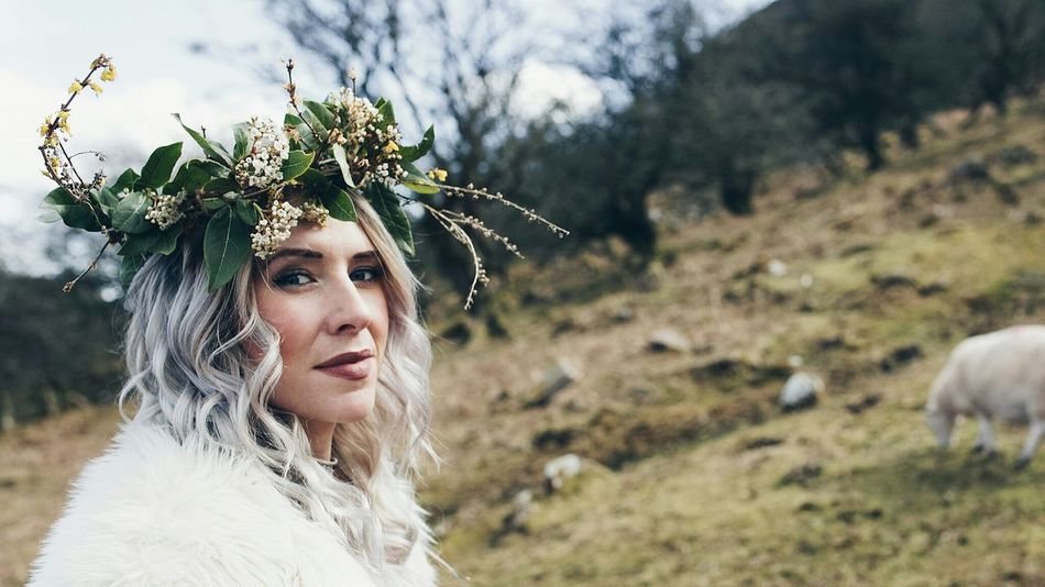 Lauraloophotography Flower Crown EyeEm Selects Blond Hair Portrait Beautiful Woman Beauty Females Beautiful People Young Women Headshot Headdress Rural Scene Mountain Range Tranquil Scene Mountain Non-urban Scene