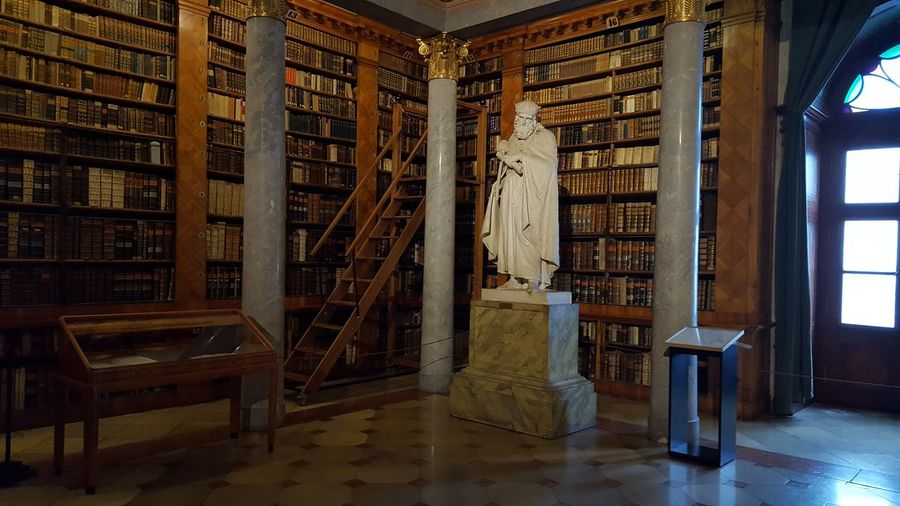 Libary in Pannonhalma Books Libary Reading Reading A Book Architecture Enterieur Old Buildings Oldtimes Lot Of Books Relax Amazing Place Knowledge Reading Time Reading Books Smart Million Books Old Books