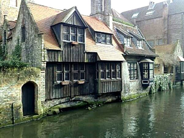 In Bruges Building Water River Architecture Flemish Architecture