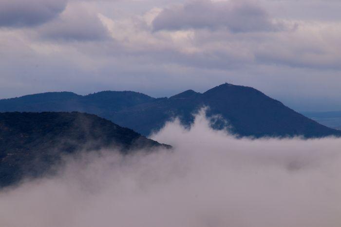Mountain Cloud - Sky Sky Beauty In Nature Scenics - Nature Mountain Range Tranquility Tranquil Scene Environment Nature Fog Landscape Non-urban Scene Majestic Idyllic Mountain Peak Remote