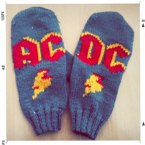 Music Hand Made AC/DC варежки ;)