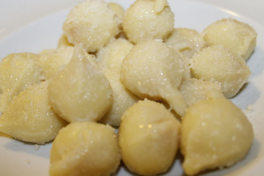 Homemade potato gnocchi with cheese in a plate Food And Drink Gnocchi Gnocchi Di Patate Close-up Day Eat Food Food And Drink Foodporn Freshness Gnocchihomemade Homade Indoors  Italian Food No People Plate Ready-to-eat White