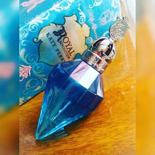A 💋Gih ama perfumes, ama!!! Euamoperfumes Amodemaisdaconta Loucaporperfumes Parfum Perfume Perfumada Instalovers Instafollowers Instapicture Cheirobomdemais Cheirobom Royalrevolution Bykatyperry Ameii