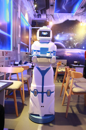 A robot made in Viet Nam, replacing for the staffs in the cafe Android Service Vietnam Cafe Shop Made In Viet Nam Morta Robot Technology