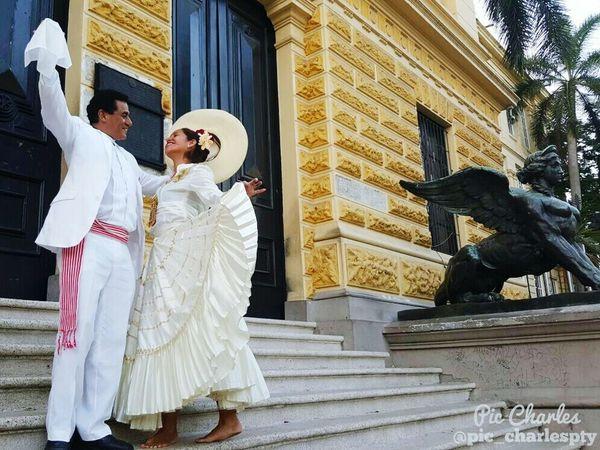 Baile tipico de la Republica del Perú , La Marinera