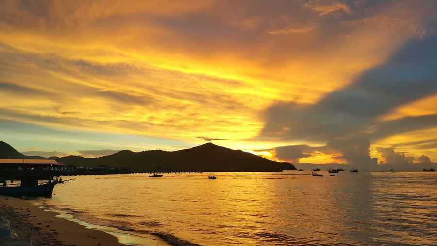 ชายหาดบางเสร่ Thailand Beach Sunrise