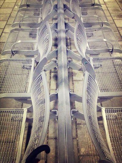 Auf Die S-Bahn Warten