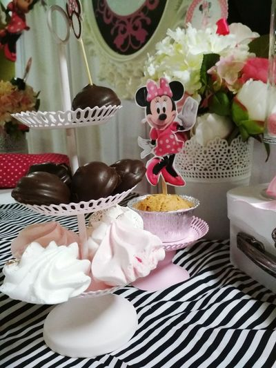 Bonbons Bonbonniere Miki The Cat Miki Mouse Dekoration Indoors  Christmas Celebration Sweet Food No People Christmas Decoration Dessert Cupcake Christmas Present Close-up Candy Day Gift